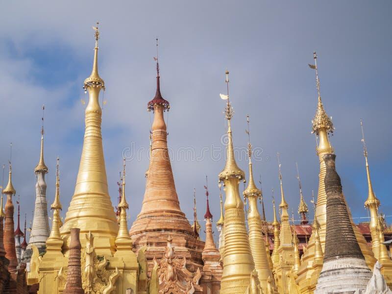 Shweherberg Dain Pagoda, Inle-Meer, Myanmar royalty-vrije stock foto's