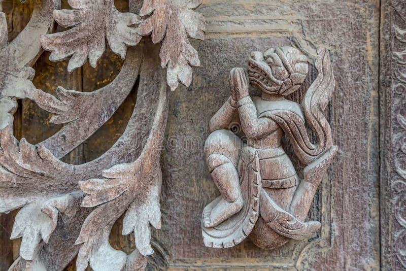 Shwenandaw kloster - Mandalay royaltyfria bilder