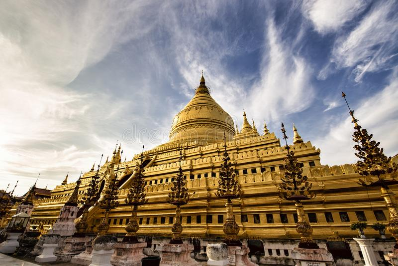Shwezigon塔在Bagan缅甸 库存照片