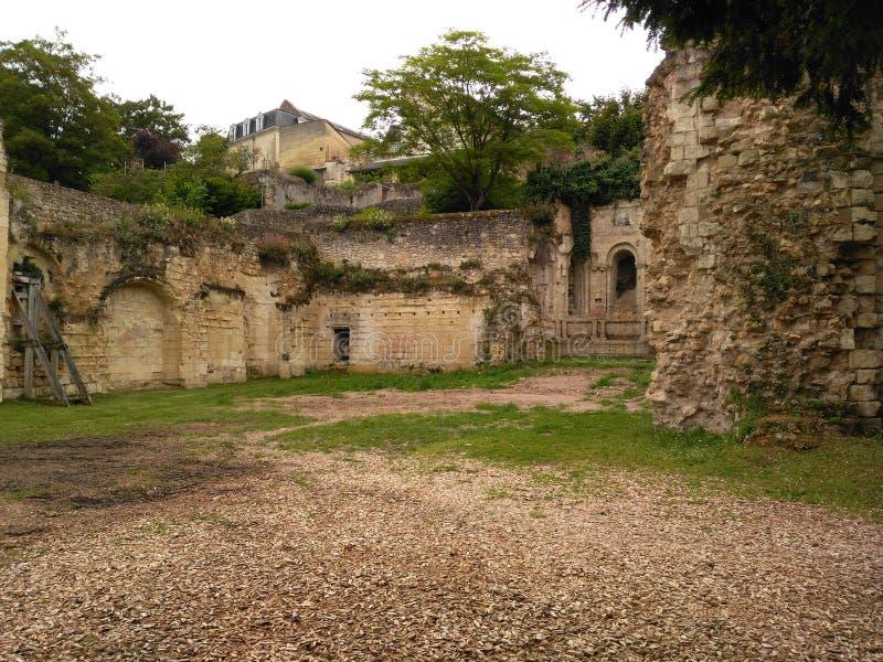 Siècle XI les ruines du château photographie stock libre de droits