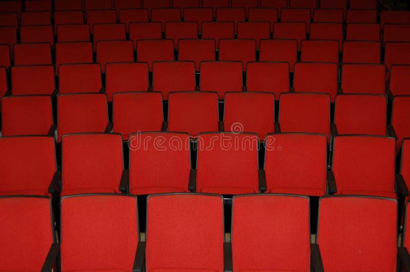 Sièges de salle de cinéma images libres de droits