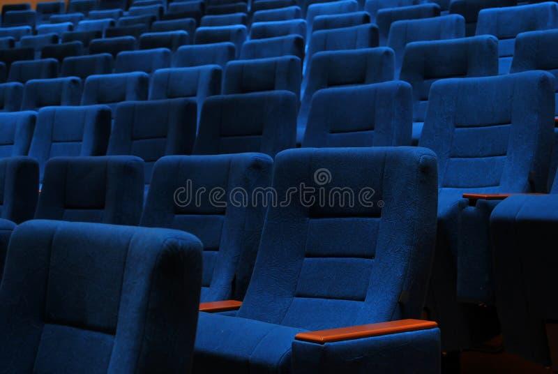 Sièges de salle de cinéma photographie stock libre de droits