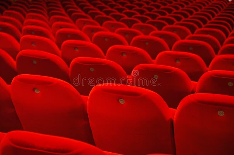 Sièges de théâtre de hall de conférence photos stock