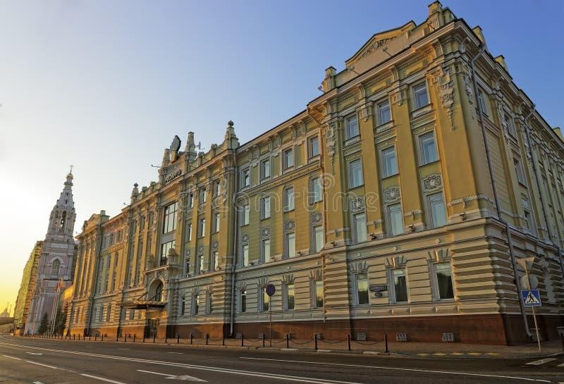 Sièges sociaux de compagnie russe principale de Rosneft au lever de soleil photos libres de droits