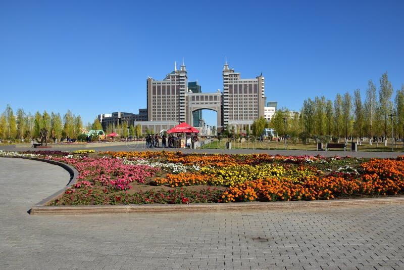 Sièges sociaux de la compagnie KazMunaiGaz à Astana, Kazakhstan photo stock