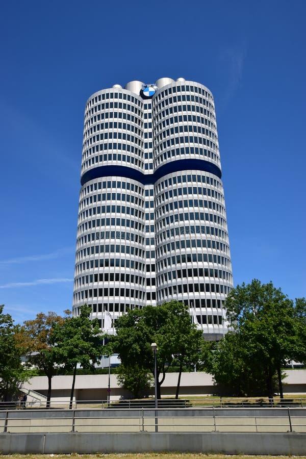 Sièges sociaux de la société de BMW à Munich, Allemagne photos libres de droits