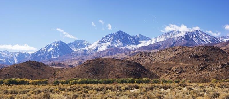 Siërra de bergen van Nevada in Californië stock afbeeldingen