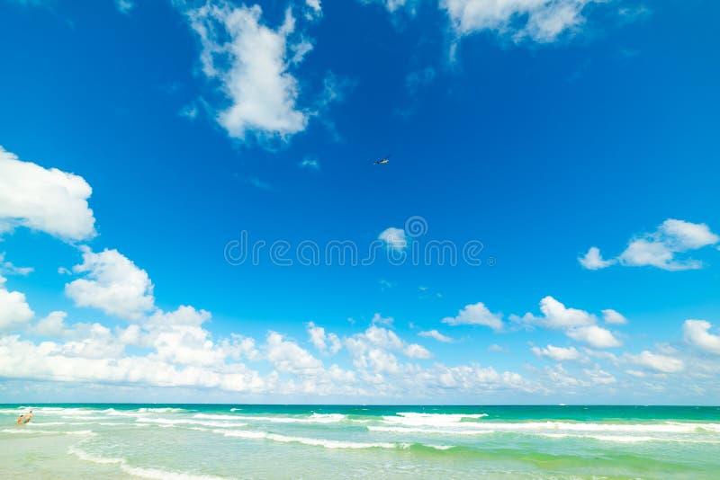 Si rannuvola la bella riva di Miami Beach fotografia stock