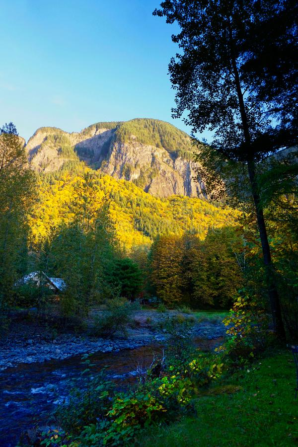 Si Washington Mountain Snoqualmie River di Mt immagine stock