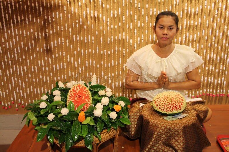 Siam Niramit przedstawienie - Wodna Melonowa sztuka obraz royalty free