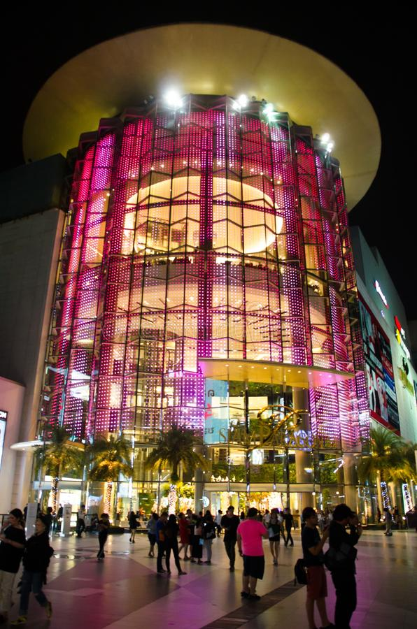 Siam Paragon is the building will be used as a primary decorative glass. Siam Paragon is all about big. One of Asia`s biggest malls, featuring a 15 theater stock photos