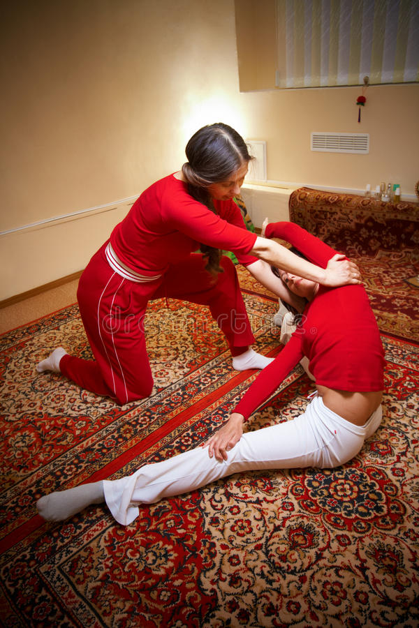 Siamesische Massage lizenzfreie stockfotografie