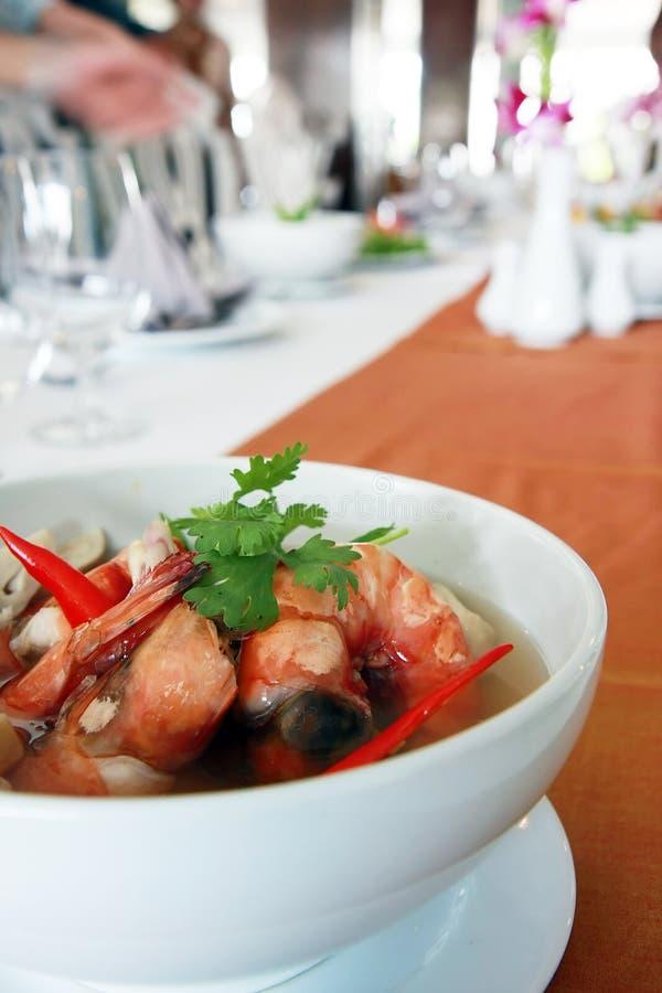 Siamesische Nahrung Tom Yum Kung in einer Schüssel 2 lizenzfreie stockfotografie