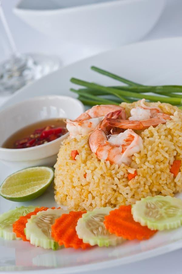 Siamesische Nahrungsmittelgebratener Reis mit Garnele lizenzfreies stockbild