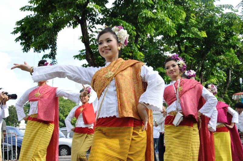 Siamesisches traditionelles Tanzen lizenzfreie stockbilder