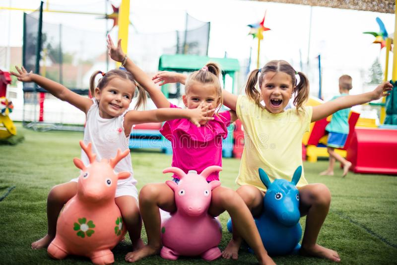Siamo bambini felici fotografia stock libera da diritti