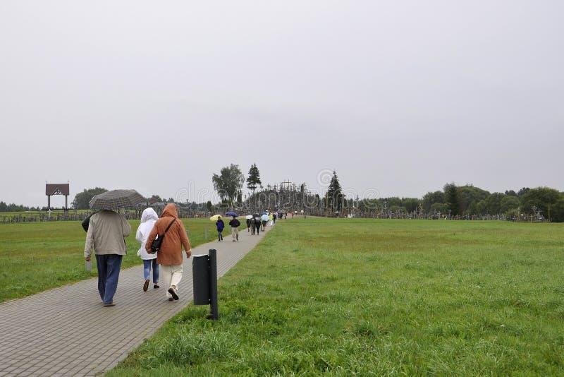 Siauliai, Sierpień 24: Wzgórze krzyże od Siauliai w Lithuania zdjęcie royalty free
