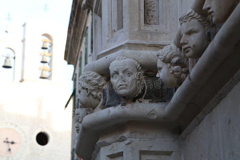 SIBENIK, Croazia-giugno 16,2019: vista della cattedrale di St James in Sibenik, sito del patrimonio mondiale dell'Unesco in Croaz fotografia stock libera da diritti