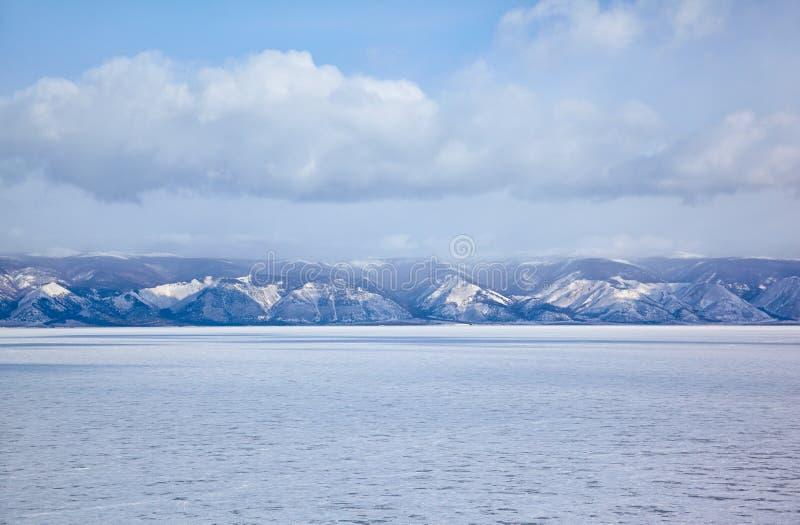 Siberiano el lago Baikal en invierno fotografía de archivo libre de regalías