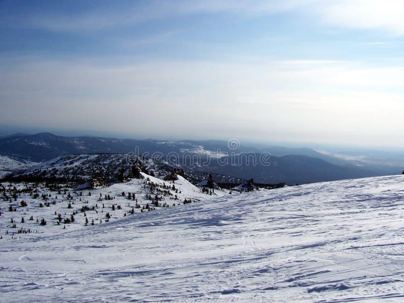 Sibirien styrkan av bergen royaltyfri bild