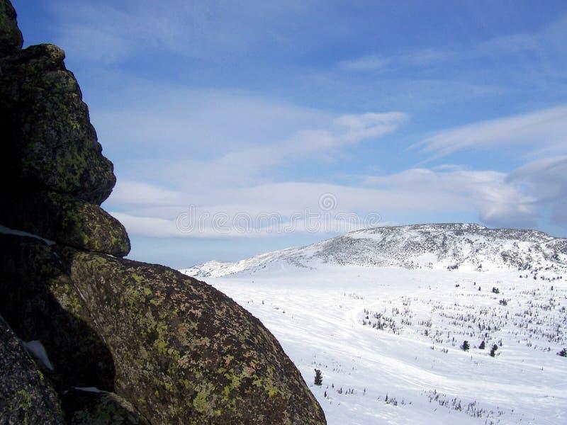 Sibirien styrkan av bergen arkivfoton