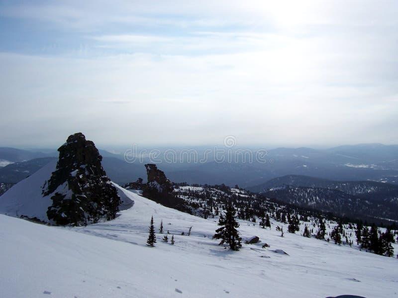 Sibirien styrkan av bergen arkivbild
