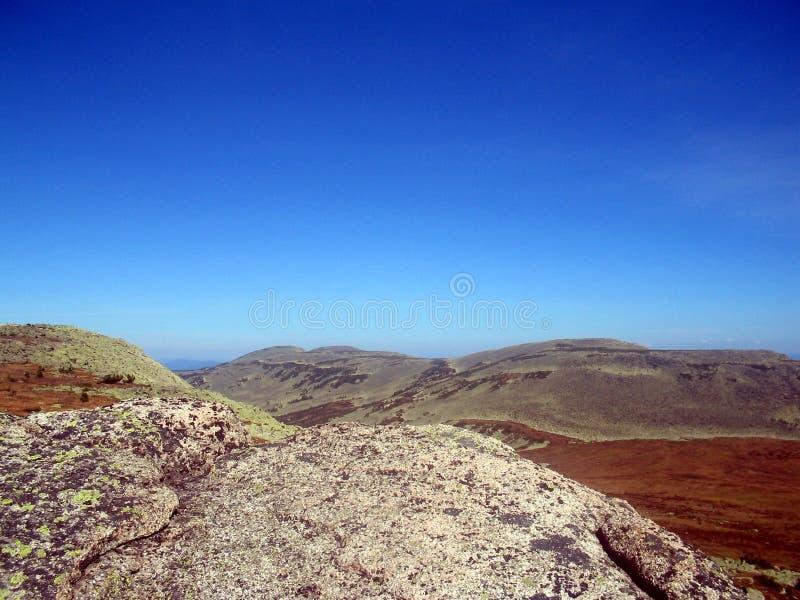 Sibirien styrkan av bergen arkivfoto