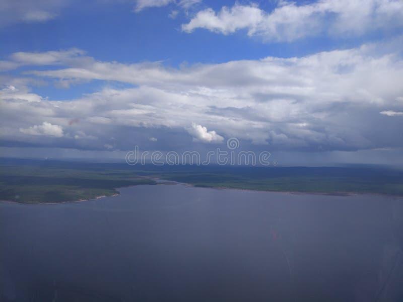 Sibirischer Fluss lizenzfreies stockbild