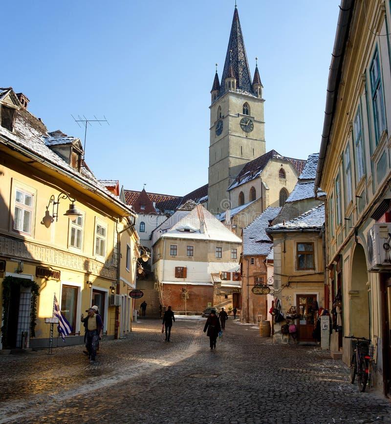 Sibiu baja la ciudad foto de archivo