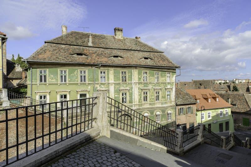 Sibiu, romania, Europa, o quadrado pequeno escorçado fotos de stock royalty free