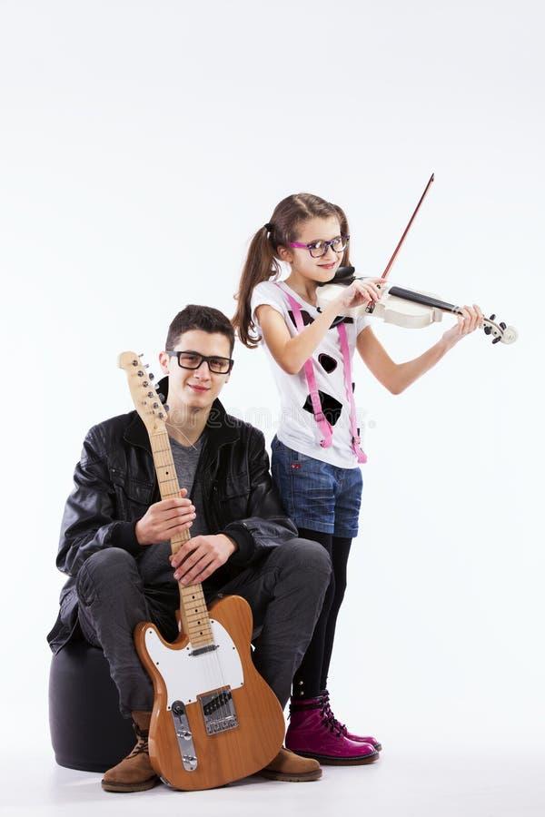Siblings van de talentenmuziek royalty-vrije stock afbeeldingen