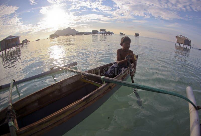 SIBUAN wyspa, SABAH MALEZJA, MARZEC, - 03: Niezidentyfikowany Denny Gyp zdjęcie royalty free