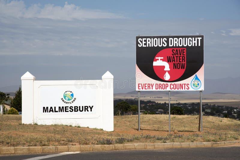 Siccità e mancanza di acqua serie nel segno del Sudafrica immagine stock libera da diritti