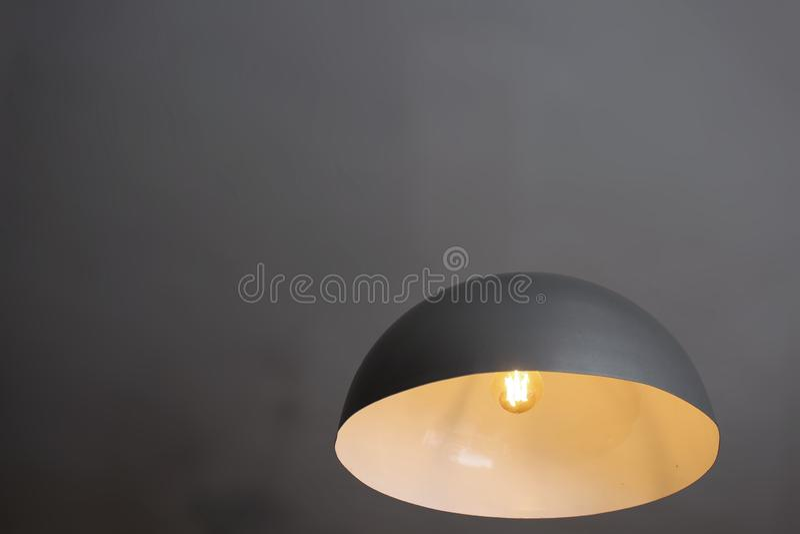 Sich hin- und herbewegende Lampenillusion - Innovation, Wissenschaft, Magie - Industriedesign lizenzfreies stockfoto