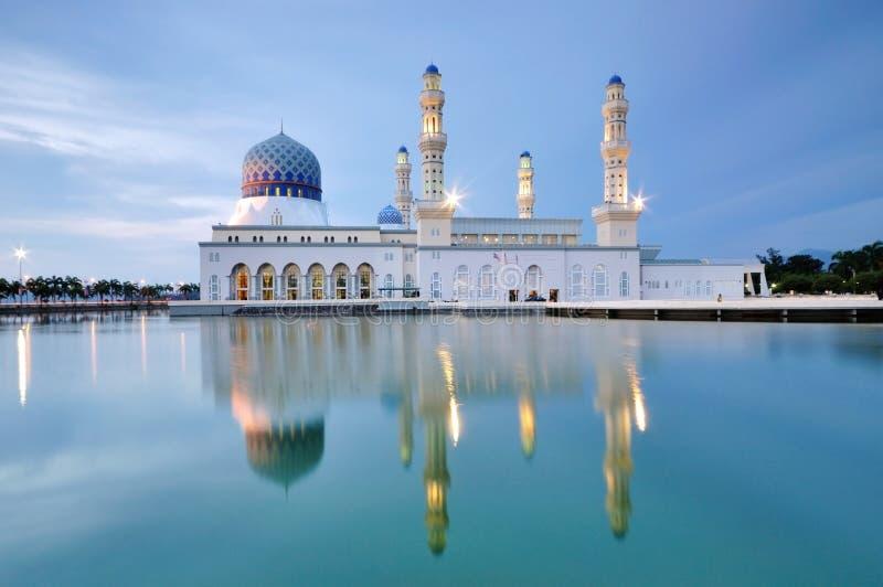 Sich hin- und herbewegende Moschee Kota Kinabalus, Sabah Borneo Malaysia stockfotografie