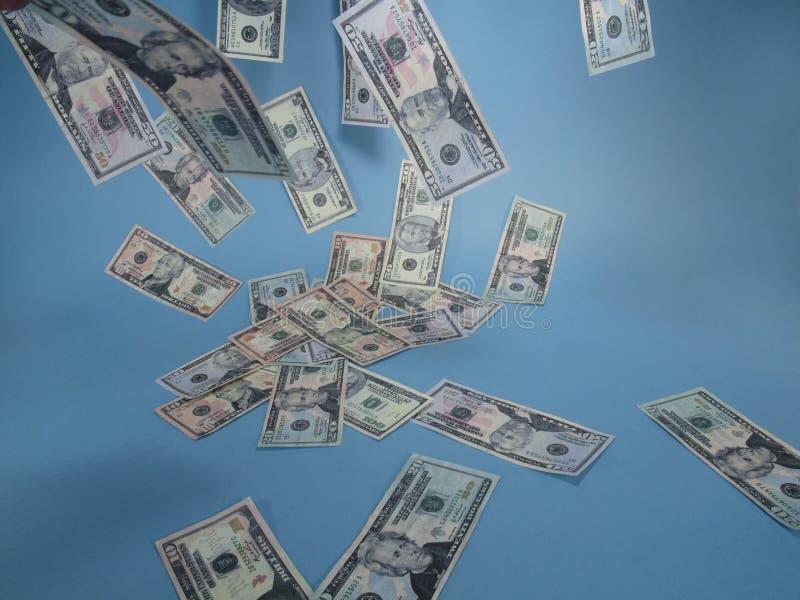 Sich hin- und herbewegendes Bargeld lizenzfreies stockfoto