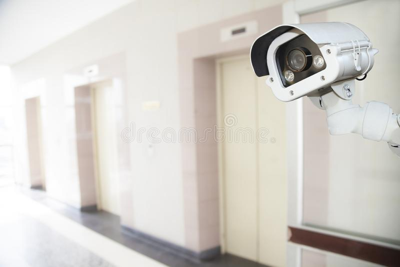 Sicherheits-Überwachungskamera in der Kondominiumwohnungseigentumswohnung, ideal für p stockfoto