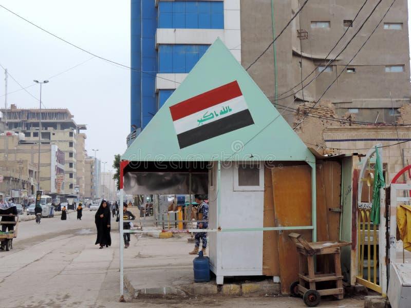 Sicherheitskontrolleposten auf den Straßen von Nadschaf stockfotografie