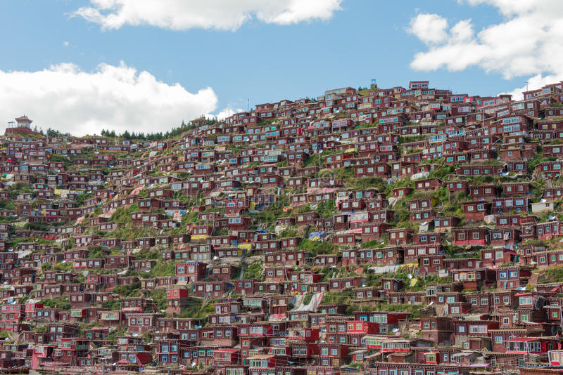 SICHUAN, CHINA - SEP 19 2014: Larung Gar(Larung Five Sciences Bu. Ddhist Academy). a famous Lamasery in Seda, Sichuan, China royalty free stock photography