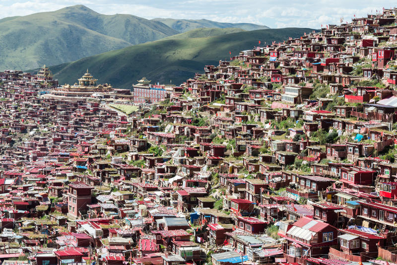 SICHUAN, CHINA - SEP 19 2014: Larung Gar(Larung Five Sciences Buddhist Academy). a famous Lamasery in Seda, Sichuan,. China stock image