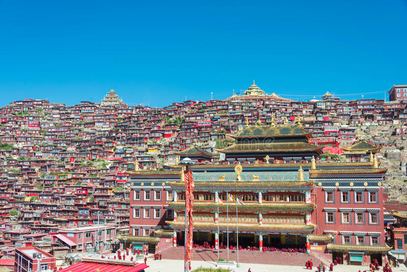 SICHUAN, CHINA - SEP 20 2014: Larung Gar(Larung Five Sciences Bu. Ddhist Academy). a famous Lamasery in Seda, Sichuan, China royalty free stock images