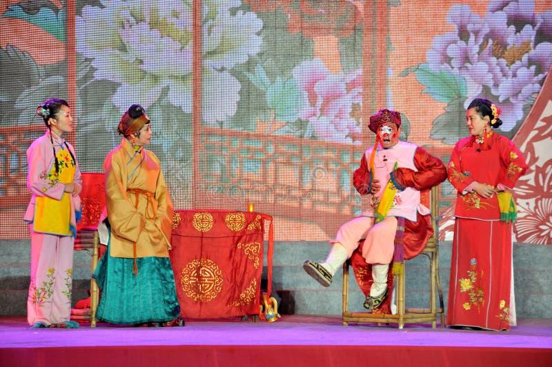 Sichuanese-Opern-Leistung auf Laternen-Festival lizenzfreies stockfoto