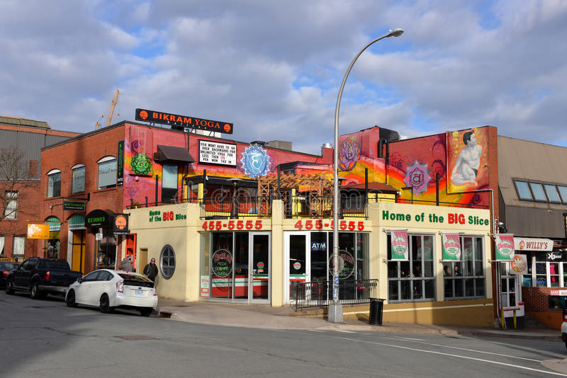 Siciliaanse pizza donairs bij pizzahoek in Halifax, Nova Scotia royalty-vrije stock foto