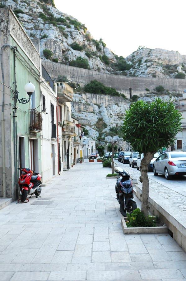 sicilian town för berg royaltyfria bilder