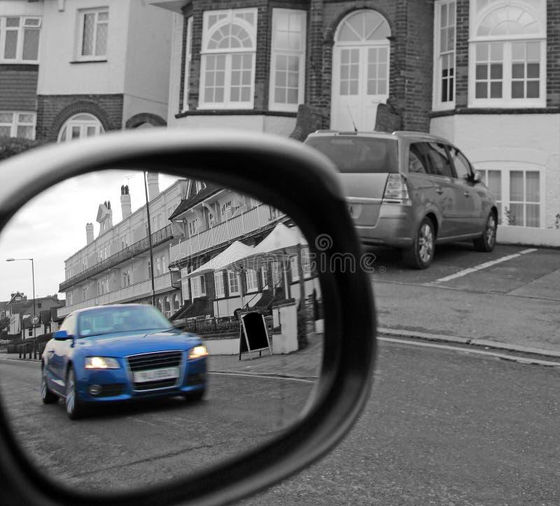 Sicurezza di guida del segnale dello specchio fotografie stock libere da diritti
