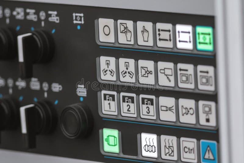 Sicurezza energetica - pannello dell'amministrazione di sistema Bottone rosso di potere - telecomando industriale fotografia stock