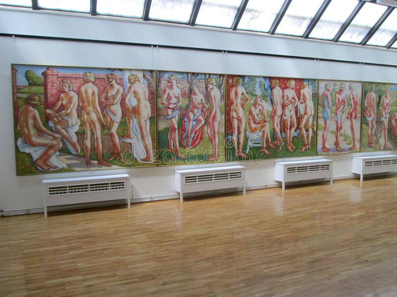 SID, SERBIE - 2 MAI : Peintures en Art Gallery Sava Sumanovic, Sid photo libre de droits