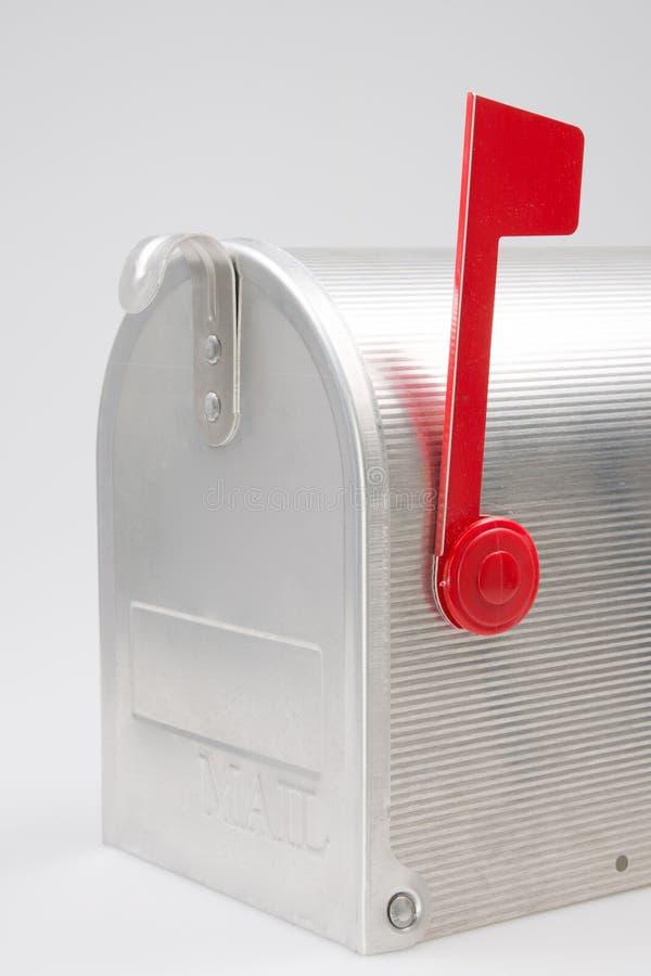 Sida av silverdörrbrevlådan oss poststolpe arkivfoton