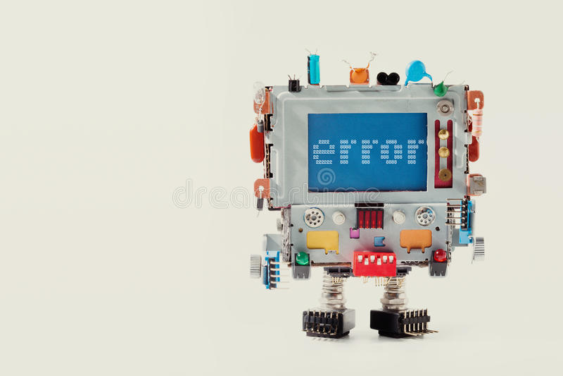 Sidamall för fel 404 för website Retro robot med bildskärmdatorhuvudet, färgrik kondensator varningsmeddelande på blått royaltyfri foto