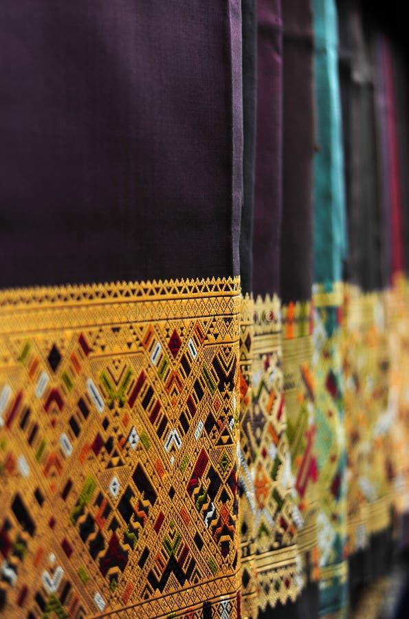 Siden- procedurmässig sarongtorkduk fotografering för bildbyråer